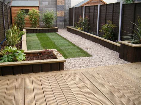 Garden Decking Ideas As The Border Of The Garden Area To Small Garden Decking Ideas