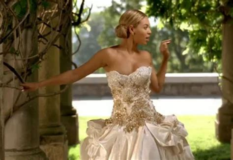 beyonce video wedding dress what goes around comes around beyonce s baracci is for