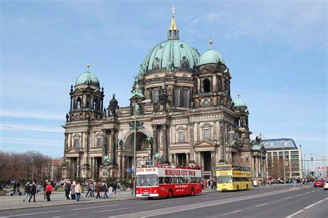berlin city traveler guide visiting nefertiti in berlin