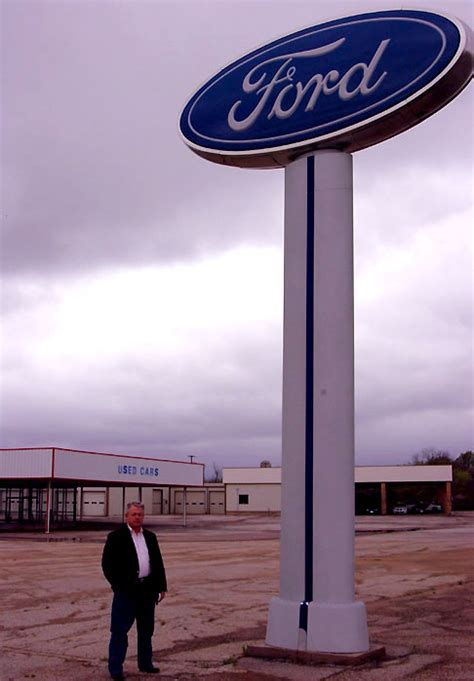 ford customer relations local support needed to help reopen ford gm dealership in