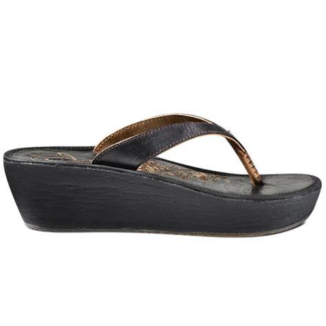 olukai sandal olukai paniolo wedge ii sandal s glenn