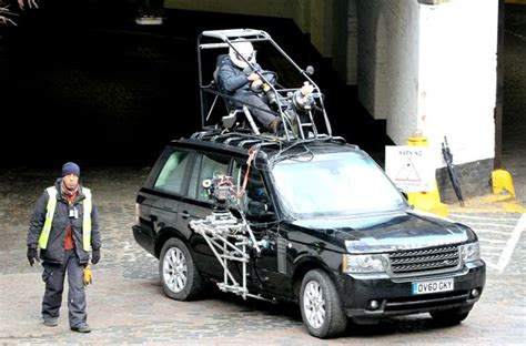 range rover truck in skyfall daniel craig skyfall on set picture gallery digital spy