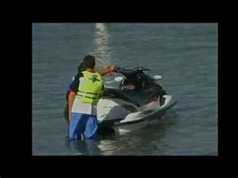 water skiing boat safety boat safety 11 jet ski and water skiing rules youtube