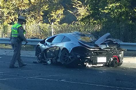 mclaren p1 crash mclaren p1 wrecked in dallas crash gtspirit