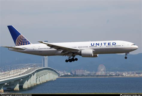united baggage international n216ua united airlines boeing 777 222 er photo by masakazu kageyama id 304495 planespotters net