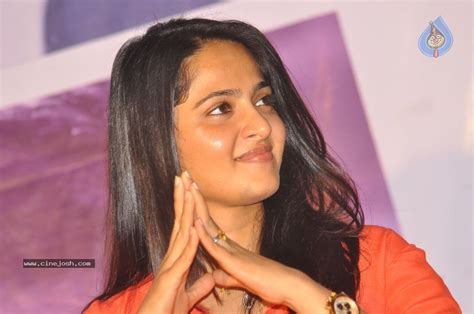 heroine anushka new photos anushka new images photo 9 of 50
