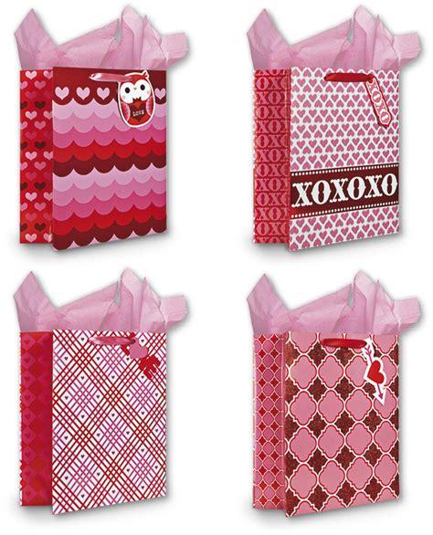 valentines gift bags wholesale large gift bags sku 1938612 dollardays