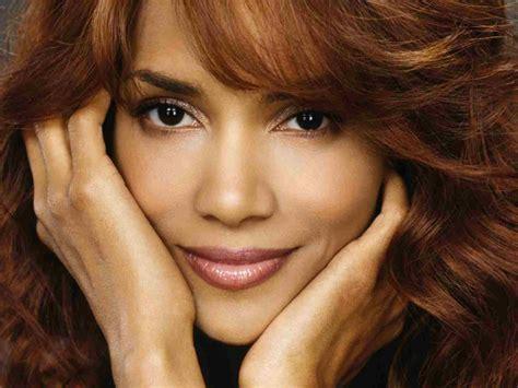 top 10 celebrity beautiful halle berry amazingmaterial com