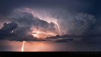 Lightning Strike Image Lightning Strike Wallpapers Wallpaper Cave