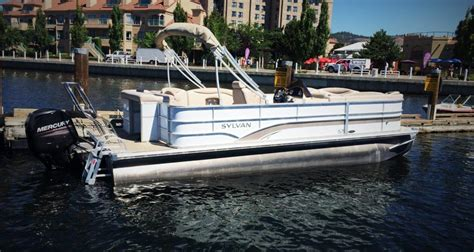 pontoon boats kelowna kelowna boat rentals 22 pontoon 2014 boat rental