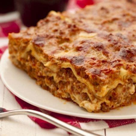 cucinare la lasagna lasagne alla bolognese ricetta di natale 3 2 5