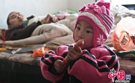 Handuk Mandi Anak 3 9 Tahun Hanaroo Hoody Towel kisah mengharukan balita 3 tahun merawat ayahnya yang lumpuh gratis