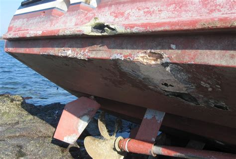 boat salvage equipment damaged and repaired boats advice for buyers sellers