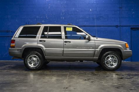car maintenance manuals 1997 jeep grand cherokee electronic valve timing service manual 1997 jeep grand cherokee repair seat travel 1997 jeep grand cherokee laredo