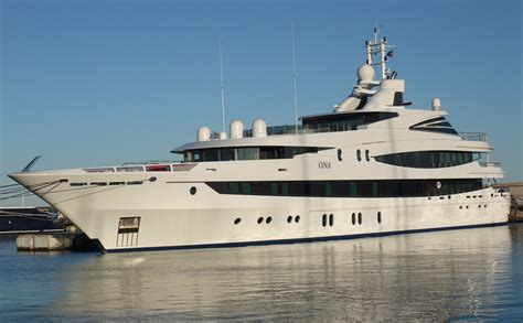 yacht ona file yacht ona 30 jpg wikimedia commons