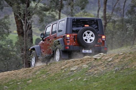 Jeep Wrangler Wobble Fix Jeep Wrangler Models Revised For 2009 Photos 1 Of 3