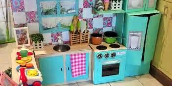 cucina giocattolo bambini come creare una cucina fai da te per far giocare i bambini