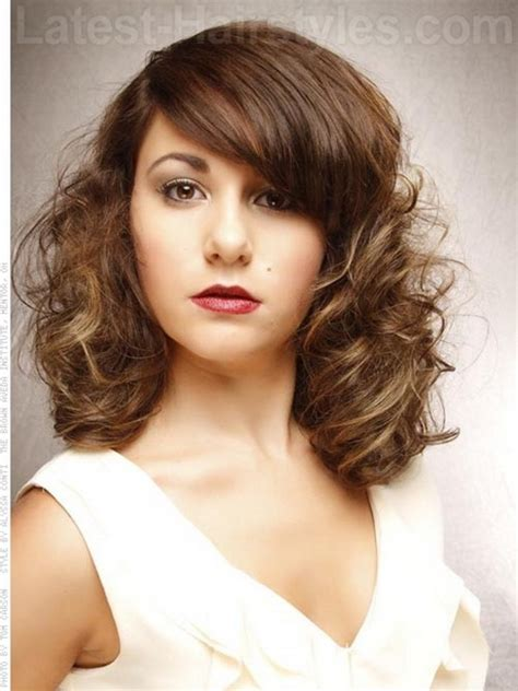 haircuts curly hair oval face curly hairstyles for oval faces