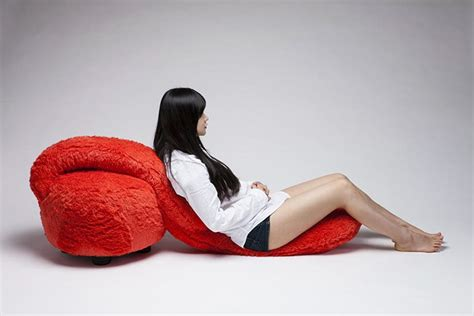 free hug sofa hugging sofa means you ll never be alone again bored panda