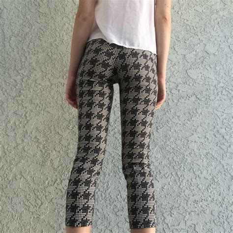 Topshops Flood Length Cropped Trouser by Topshop Cropped Trousers Houndstooth Print Size