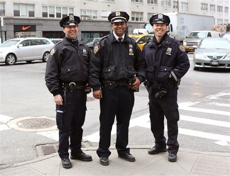 How Many Nypd Officers Are There by Nypd Esu Officer Www Imgkid The Image Kid Has It
