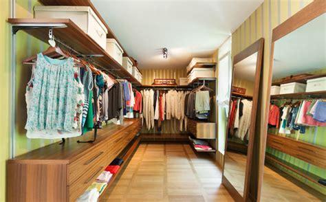 E S Closet by Closet Saiba Quais S 227 O As Vantagens De Transformar O