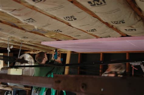 how to insulate a garage ceiling photo