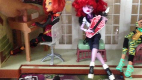 my monster high doll house tour monster high doll house my very first video youtube