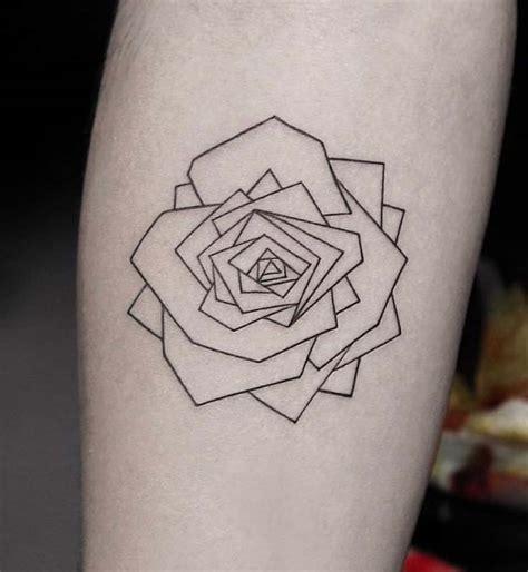 81 tatuaggi piccoli con rose foto idee e significato