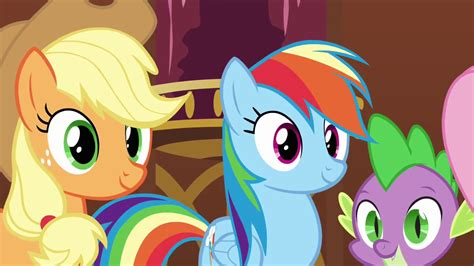 my little pony spike and applejack image applejack rainbow and spike smiling at pinkie s3e3