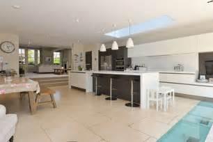 Designer Factory Kitchens modern lines kitchen design ideas amp pictures