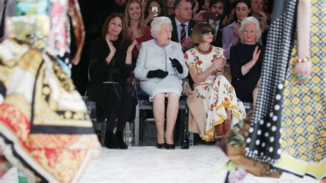fashion design contest london in pictures the queen is on trend at london fashion week bt