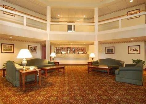 comfort inn barre vt comfort inn at maplewood