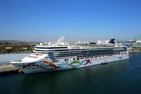 norwegian cruise west coast mexican riviera and west coast traffic down slightly