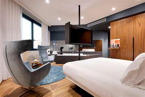 habitacion suite con jacuzzi jacuzzi suite hotel icaria barcelona barcelona