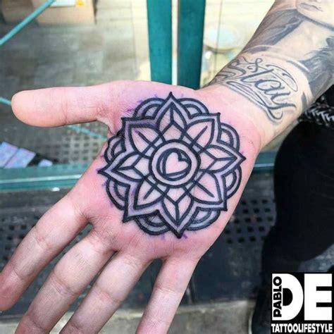 Tattoo Mandala En La Mano | tatuajes de mandalas para la espalda brazos y piernas