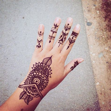 125 henna tattoos mit sch 246 nen design mode