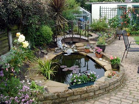 outdoor gardening water feature backyard landscape
