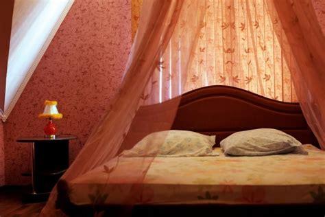 Romantisches Bett by Bedroom Design Ideas