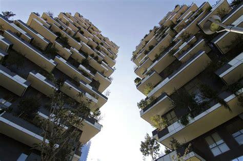 bnl napoli sede centrale isola inaugurato il bosco verticale urbanfile