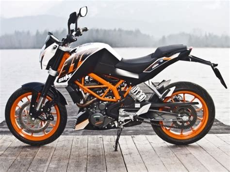Bajaj Ktm Duke 390 Bajaj Introduces Ktm 390 Duke At Rs 1 8 Lakh Indian Nerve