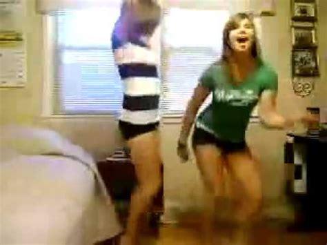 dancing in my bedroom teen girls dancing in the bedroom fail youtube