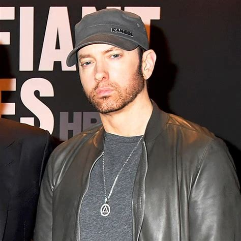 eminem beard pogonophobic reaction to eminem s beard shows need for