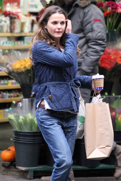 keri russell nyc keri russell shopping in nyc 10 27 2016