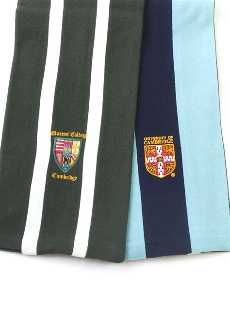 queens combi scarf amies