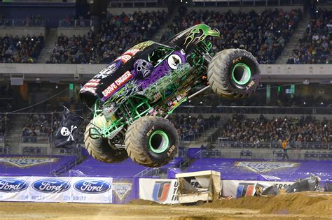 monster truck show los los monster trucks llegan a madrid