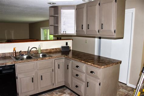 painting kitchen cabinets cream chalk paint kitchen cabinets cream paint