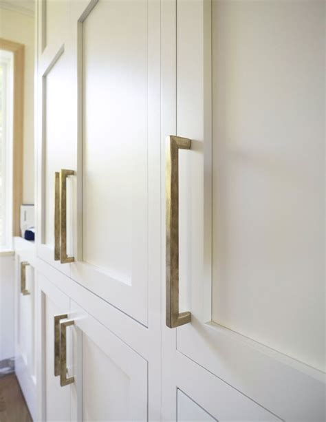 brass kitchen cabinet hardware 1000 ideas about kitchen cabinet pulls on