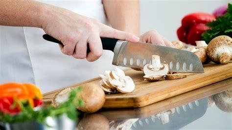 cerco lavoro come chef cucina si assume cuoco in svizzera a tempo indeterminato