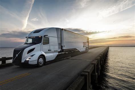 volvo hits  mpg  supertruck truck news